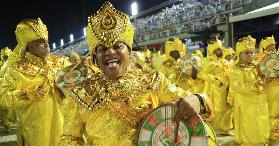 Барабанщики на Карнавале в Рио-де-Жанейро